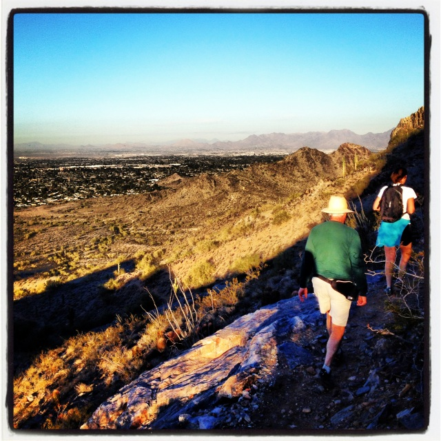Phoenix hike with Ollie & Lise