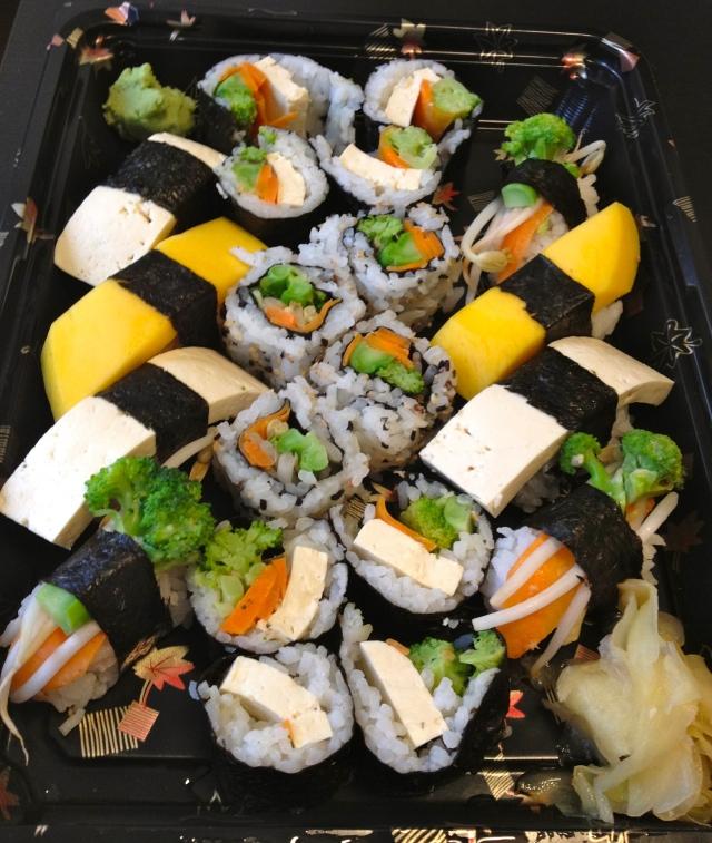 Sushi w/ mango, tofu, broccoli, carrots... yum!