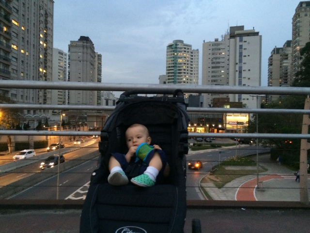 Colt and Gigi on their way home from visiting our old stomping grounds - Parque do Povo - now about a 10 minute walk away.